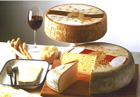 Bra Duro is a cylindrical cheese with a diameter of 30-40 cm that has a convex edge of 7-9 cm and a weight of 6-8 kg